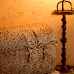 Montaigne - coffre de voyage  © Anaka