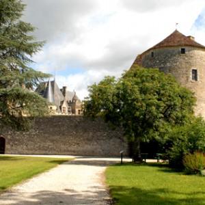 Montaigne - tour et château © Anaka